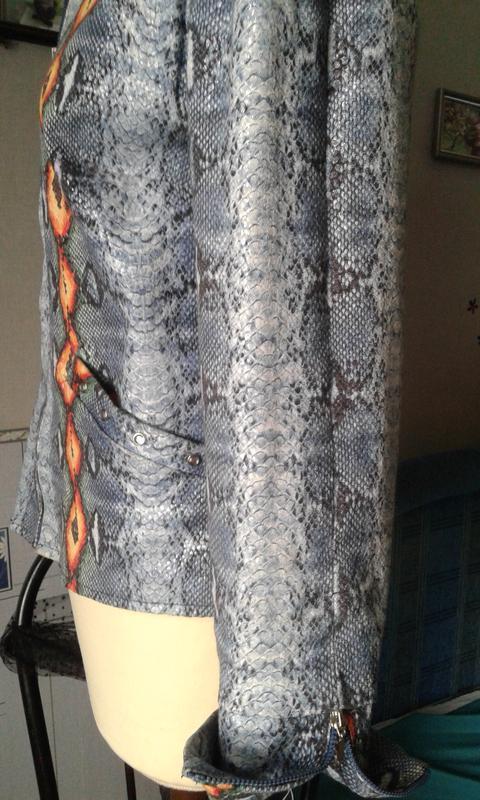 Куртка-жакет стреч джинс-деним р 48 стильно модно ярко. - Фото 4