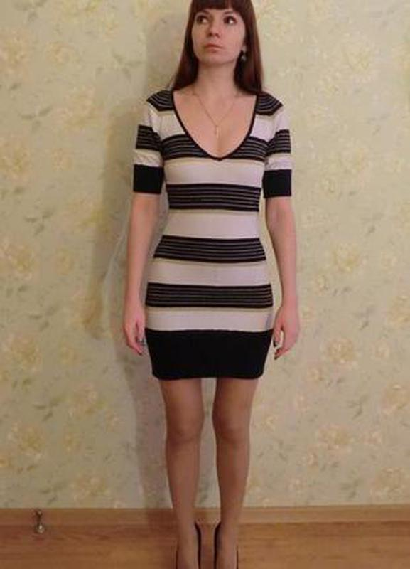 Полосатое платье мини - Фото 2
