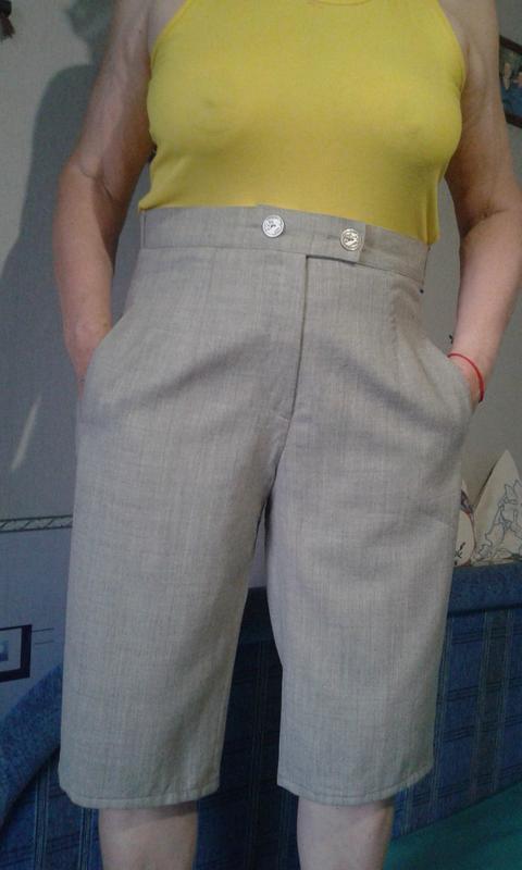 Бриджи-шорты-супер стильные шерстяные р 48