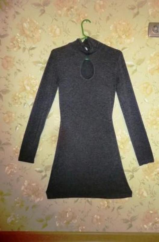 Трикотажное серое платье миди от bonprix - Фото 2