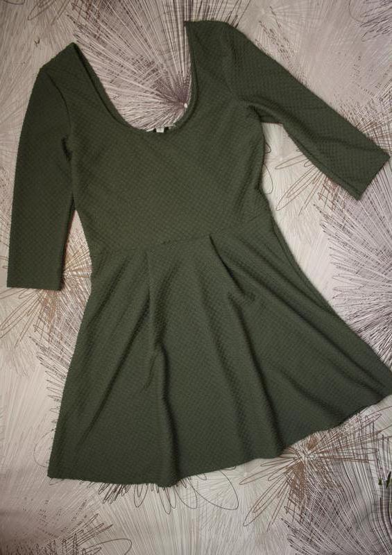 Платье из фактурной ткани - Фото 2