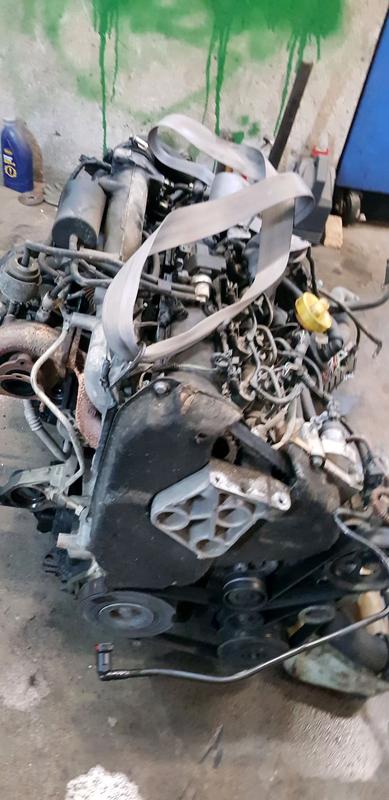F9Q 1.9 dci мотор renault