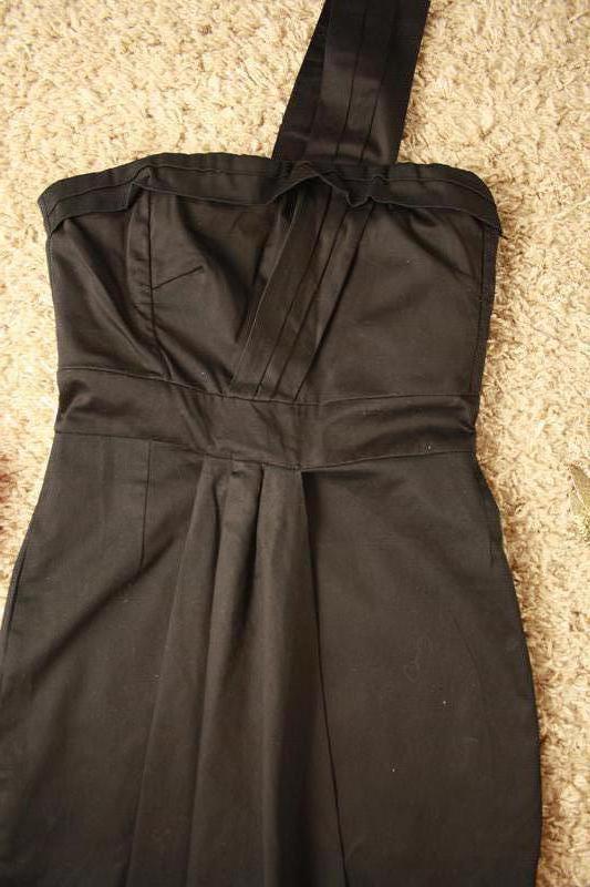 Коктейльное платье интересного фасона - Фото 3