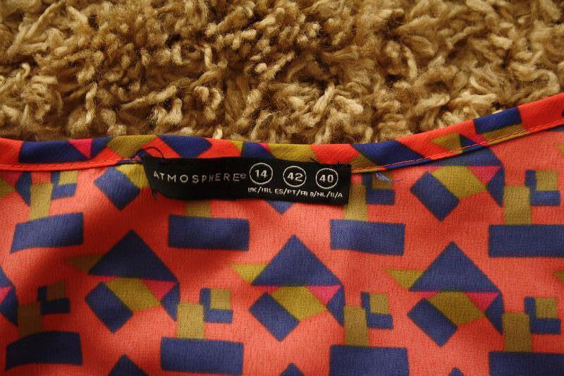 Яркая блуза в  стильный принт - Фото 2