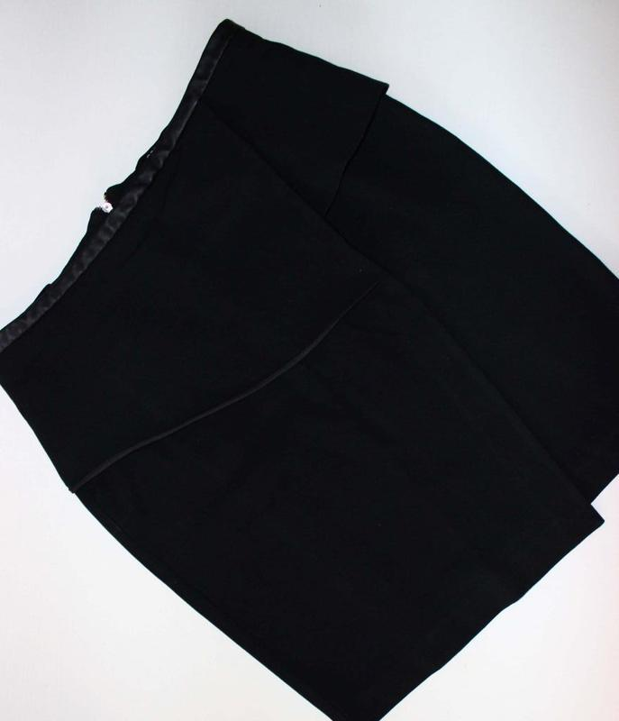 Юбка карандаш черная офисная а-ля с запахом, отделка под кожу,... - Фото 4