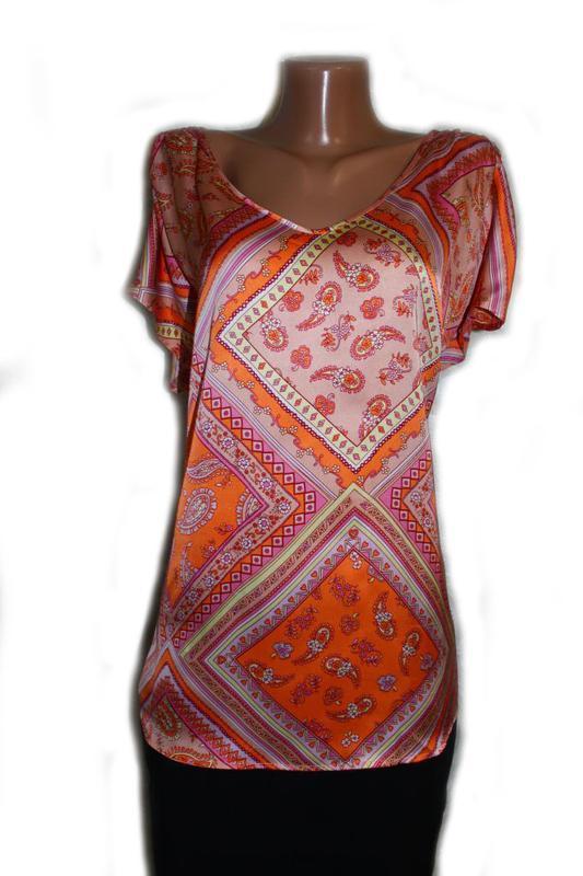 Блуза под атлас в бледно-оранжевые тур.огурцы и ромбы, daxon, ...