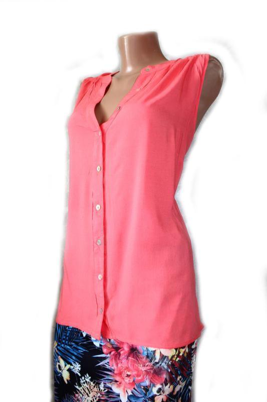 Блуза / топ / рубашка без рукавов корал горловина стоечкой - Фото 2