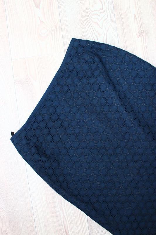 Юбка карандаш темно-синня гипюр/ажур кружалками, румыния, 12 - Фото 3