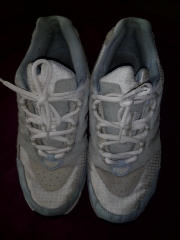Кроссовки фирменные, оригинал, легкие и удобные