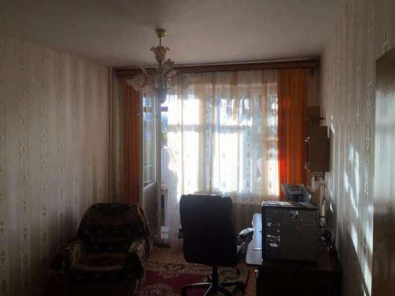 4-х комнатную квартиру в Малиновском районе