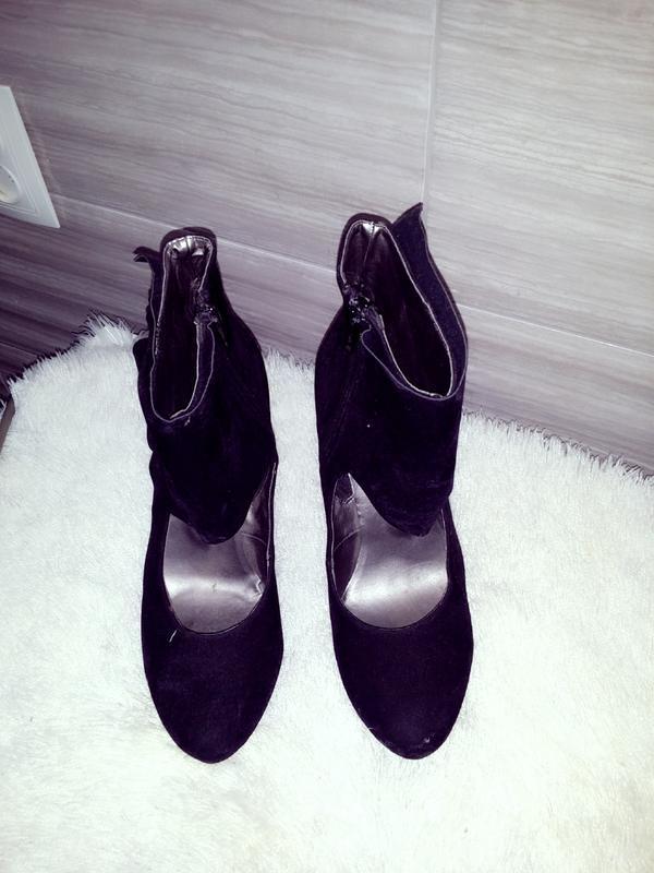 Класнючие туфли ,интересная модель эко-замша,велюр