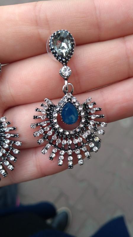 Шикарные серьги с камнями/гвоздики/серебристые/синие/серые