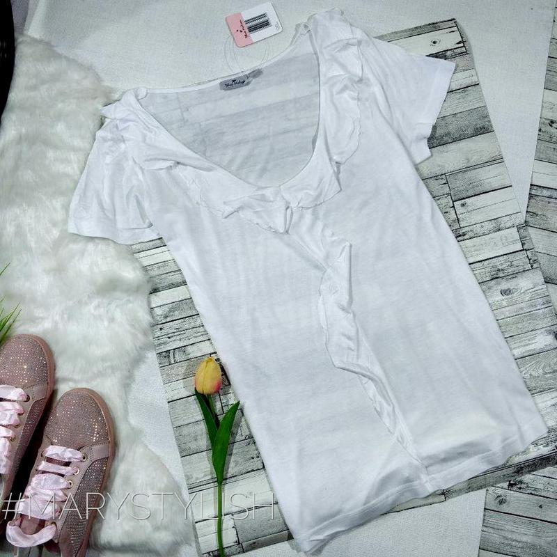 Красивая блузка с воланами