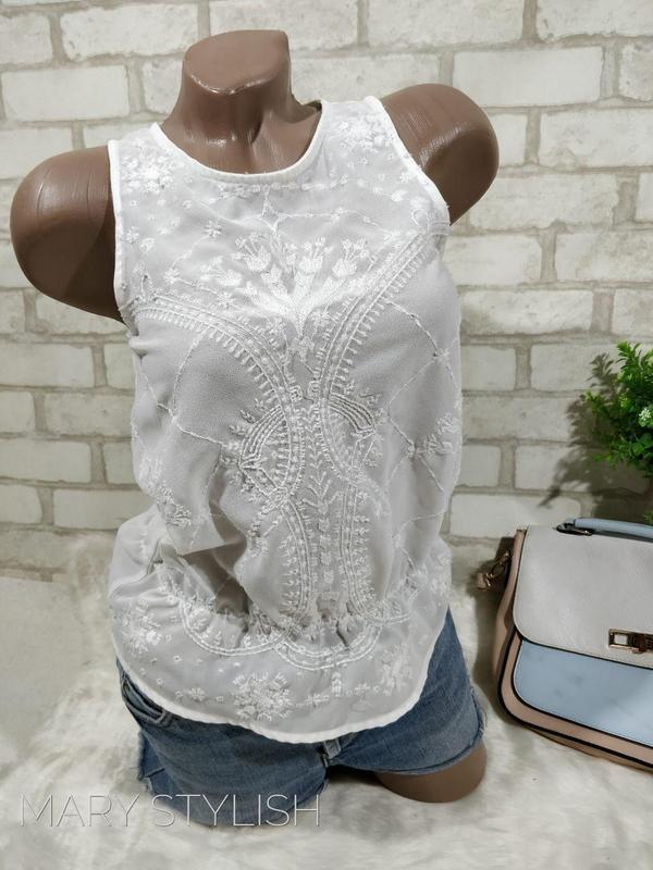 Белая шифоновая блузка, очень нежная, светится