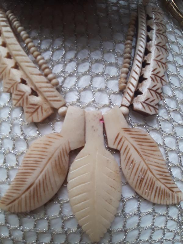 Симпатичное колье-ожерелье кость винтаж