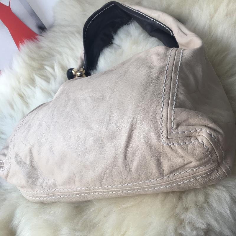 Роскошная брендовая кожаная сумка, натуральная кожа, бежевая, ... - Фото 3