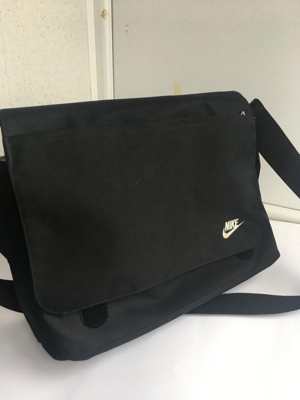 Большая спортивная сумка планшет для ноут бука nike