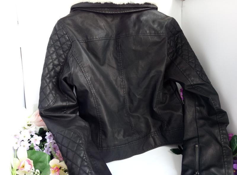 Эффектная модная курточка куртка косуха с мехом, плотная эко кожа - Фото 2