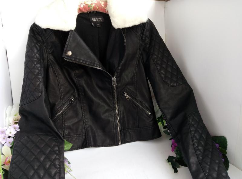 Эффектная модная курточка куртка косуха с мехом, плотная эко кожа - Фото 3