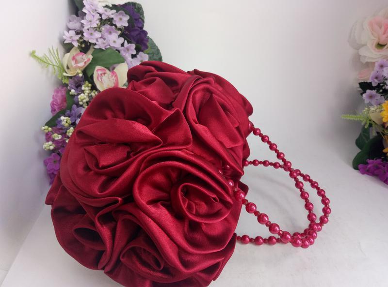 Эффектная эксклюзивная нарядная сумка розы и цветы вишнево кра... - Фото 2