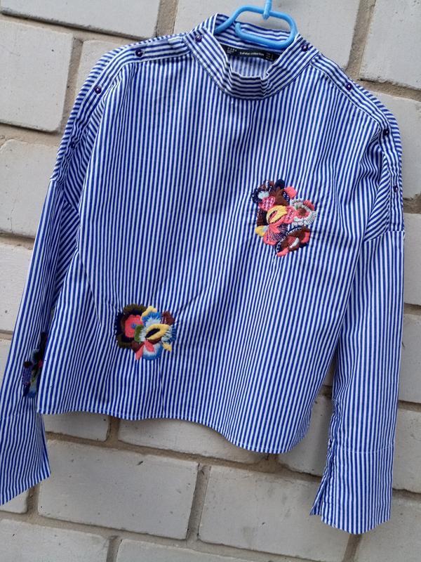Крутая обемная блуза в полоску с вышевкой раз. s - Фото 2