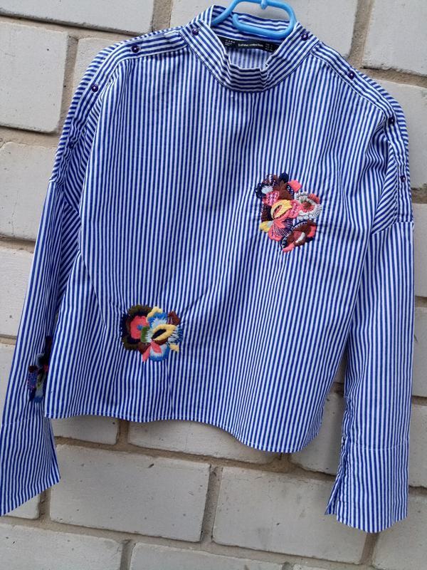 Крутая обемная блуза в полоску с вышевкой раз. s - Фото 3