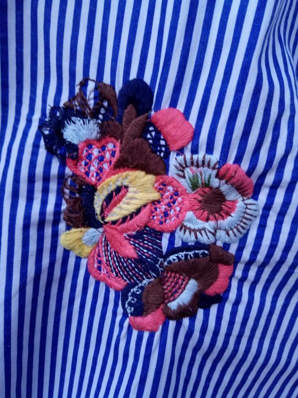 Крутая обемная блуза в полоску с вышевкой раз. s - Фото 4