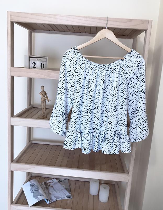 Блуза в горошек с воланами рюшами - Фото 2