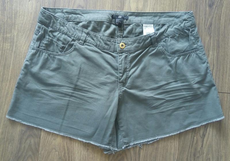 Фірмові тоненькі джинсові шорти кольору хакі (h&m) - Фото 2