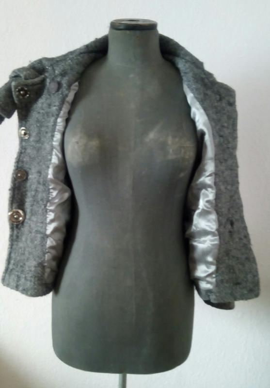 Коротеньке сіре пальтішко з бантом - Фото 4