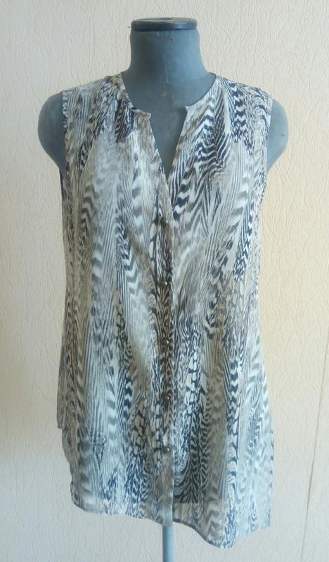 Фірмова шифонова тигрова асиметрична блузка безрукавка (wallis)