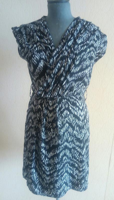 Фірмове легеньке плаття міді (h&m)