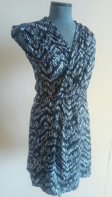 Фірмове легеньке плаття міді (h&m) - Фото 2