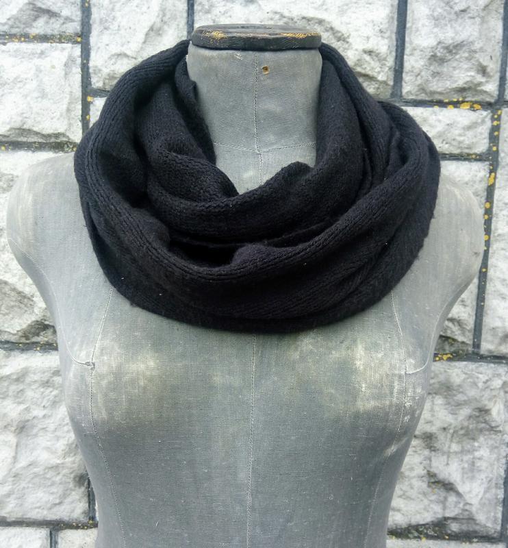 Чорний м'якенький шарф-хомут