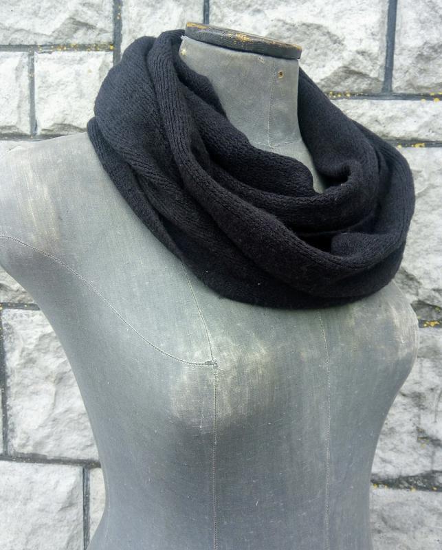 Чорний м'якенький шарф-хомут - Фото 2