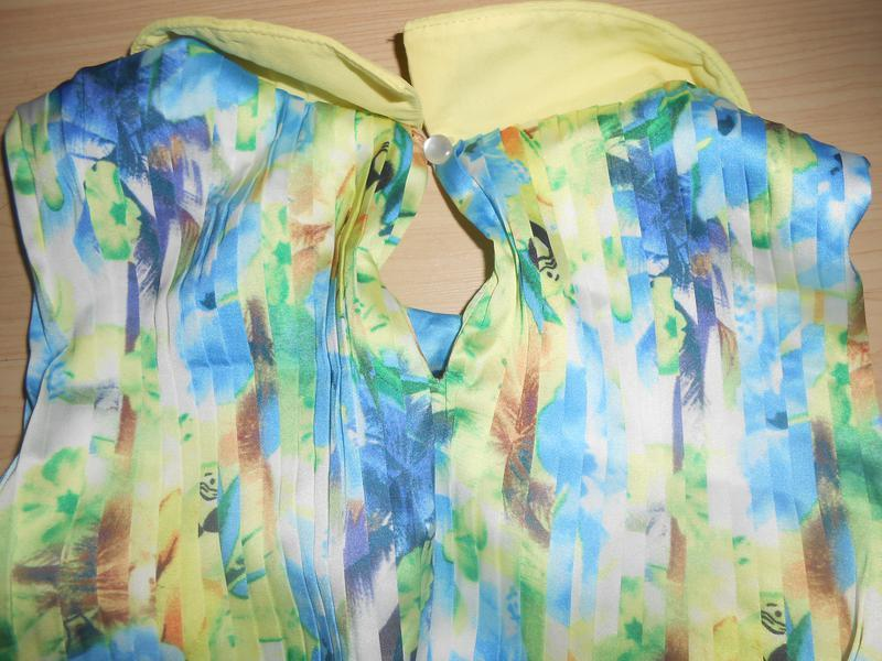 Шикарное платье в мелкую плиссировку на 9-11 лет. - Фото 3