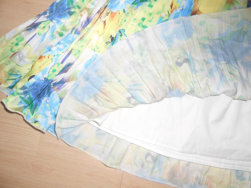 Шикарное платье в мелкую плиссировку на 9-11 лет. - Фото 4