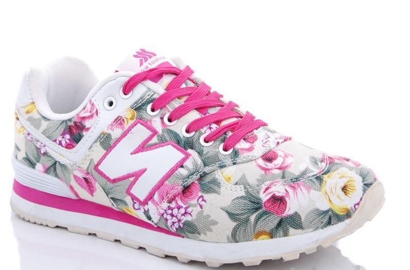 Красочные кроссовки с цветочным принтом