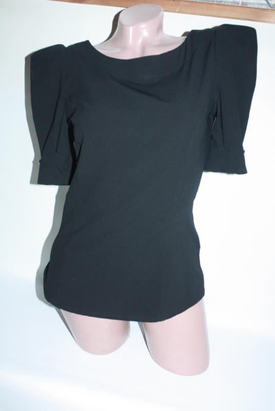 Блузка новая черная с высокими плечиками 10р new look (к025)