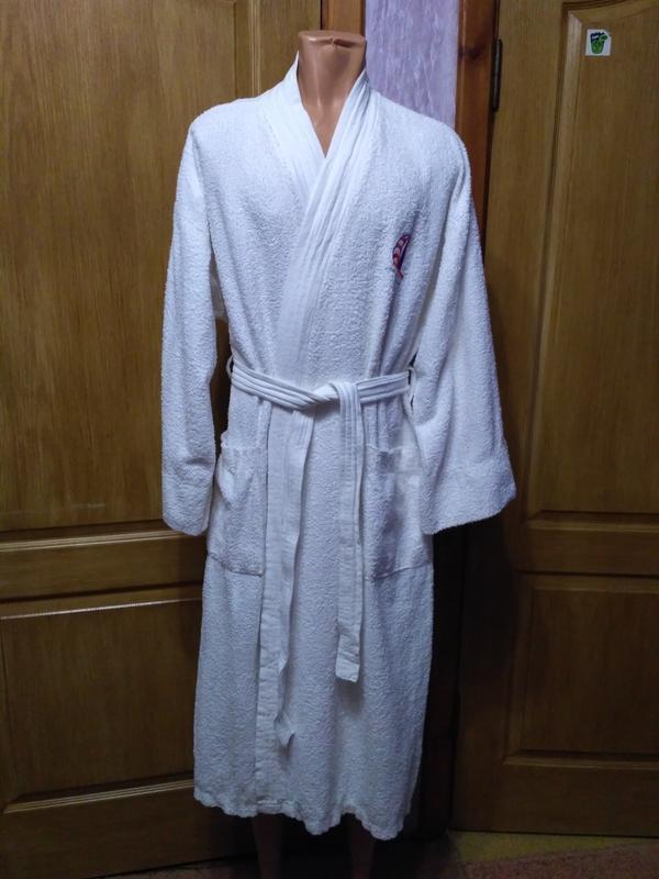 Белоснежный мужской махровый халат