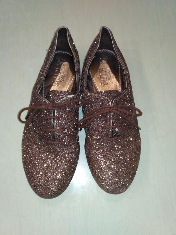 Блестящие туфли на шнурках m&s
