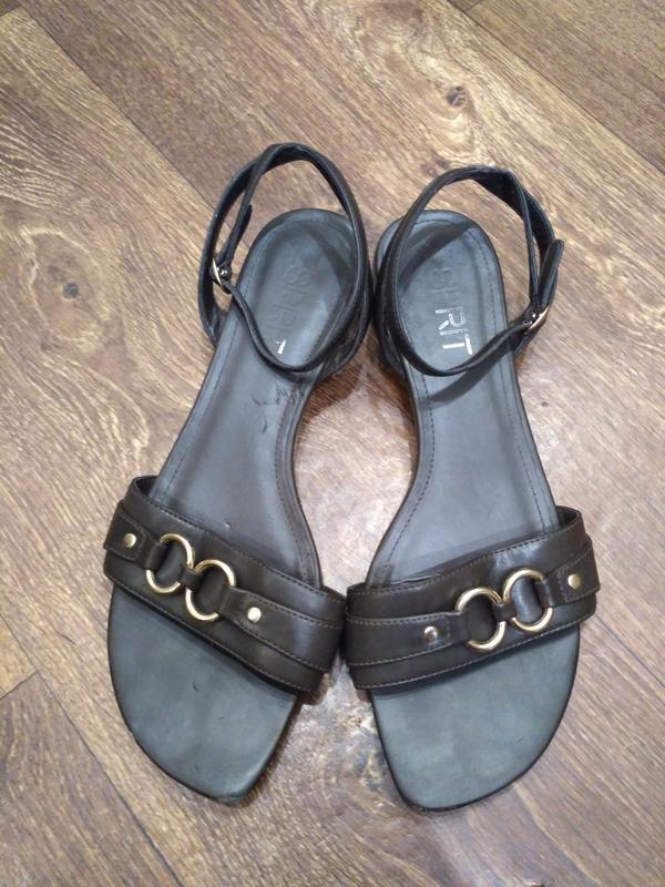 Esprit босоножки, сандалии на маленьком каблуке