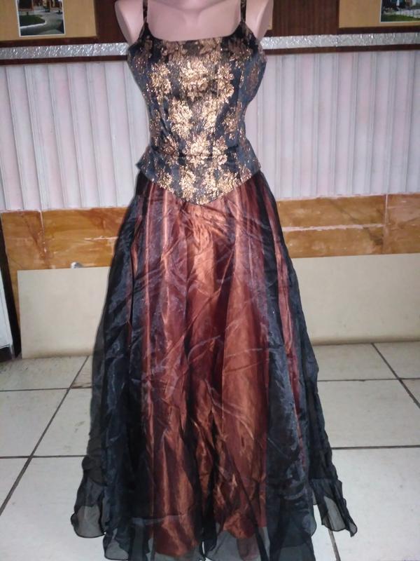 Вечернее платье в пол с вышивкой размер xs