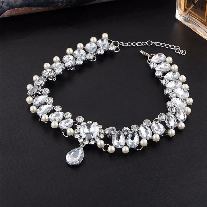 Роскошный чокер в камнях ( кристаллах ) серебристого цвета - Фото 2