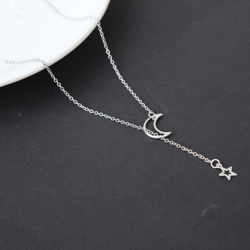 Цепочка ожерелье с подвеской луна и звезда серебристого цвета - Фото 4