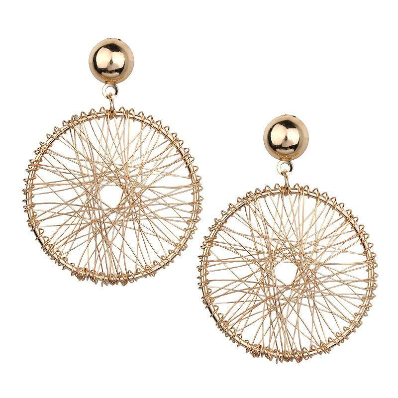 Плетенные серьги кольца золотистого цвета - Фото 4
