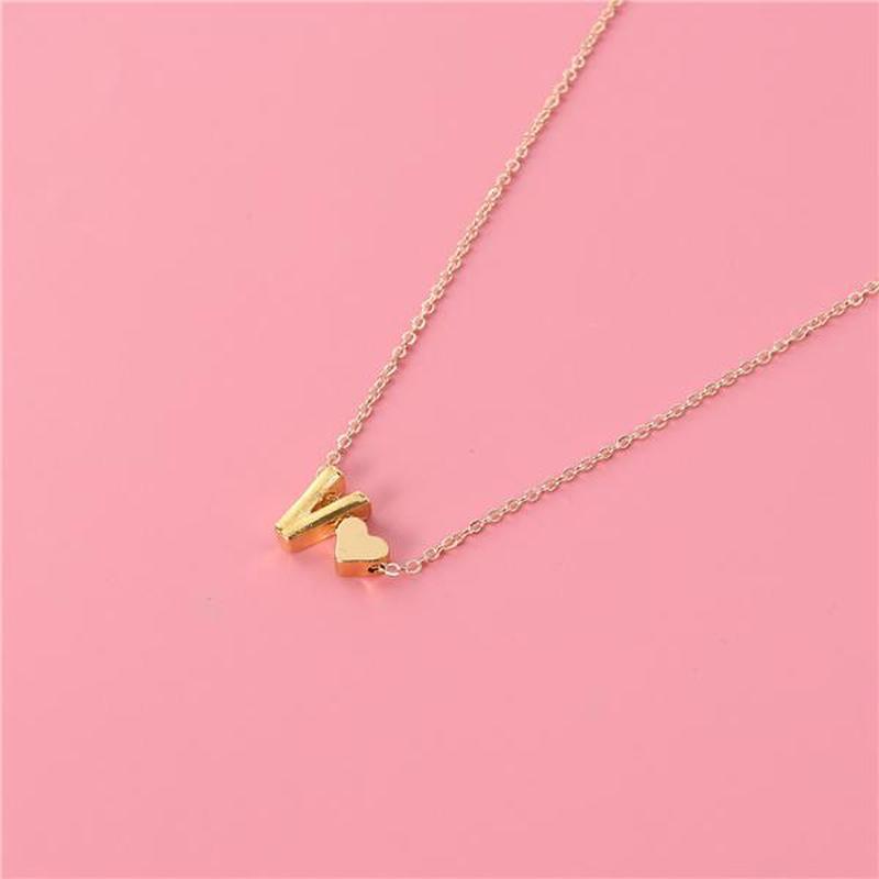 Ожерелье цепочка с буквой v под золото - Фото 2