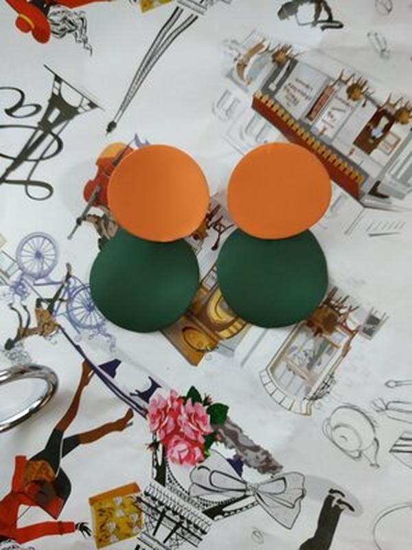 Стильные серьги двухцветные - Фото 2