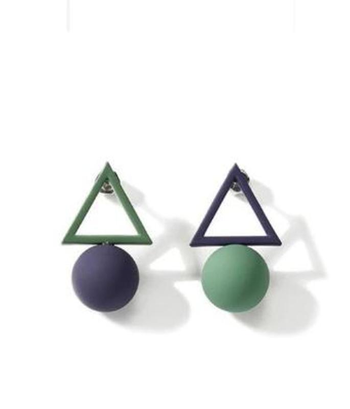 Асимметричные серьги треугольники сине-зеленого цвета - Фото 2