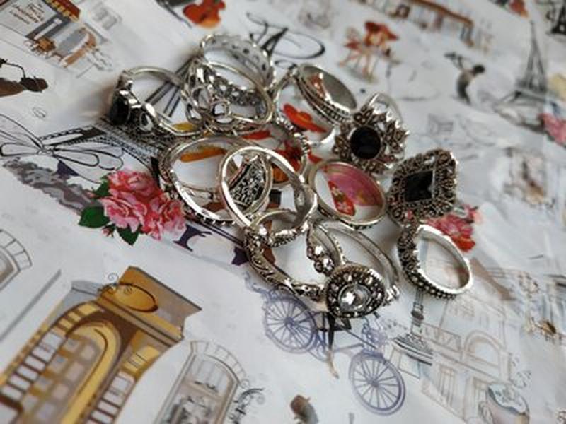 Набор колец 15 штук кольцо цветок, черный камень, корона сереб... - Фото 3